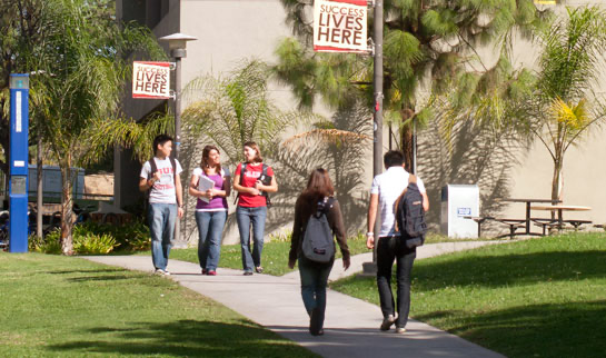 CSUN Students walking on campus